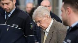 Un ancien garde d'Auschwitz comparaît à 94