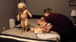 Cette maman essaie de coucher ses quatre bébés et c'est compliqué