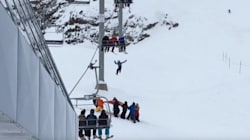 ►Boy Dangling From Whistler Ski Lift Rescued With