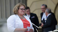 Alberta Medical Groups Spend Funds On Booze, Double Salaries: