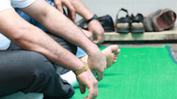 La Consulta boccia la sua legge anti-moschee, Maroni: