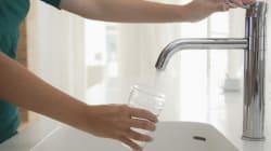 Boire de l'eau: la clé d'une saine