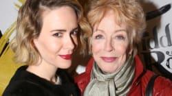 「ホランドに恋してるの。年の差は問題じゃない」女優サラ・ポールソン、恋愛を語る