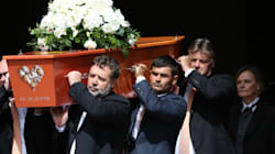 Russell Crowe est porteur aux funérailles de son cousin Martin Crowe