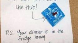 Regala un preservativo al figlio adolescente ma fa un errore
