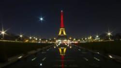 I monumenti si illuminano con i colori del