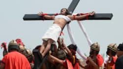 Vendredi saint, jour de crucifixions aux Philippines