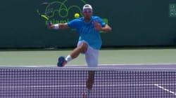Le coup dingue (et non-valable) d'un tennisman