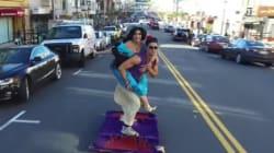 魔法の絨毯に乗ったアラジン、サンフランシスコを飛ぶ(動画)