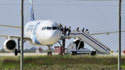 Un pirate de l'air arrêté après une prise d'otages dans un avion à