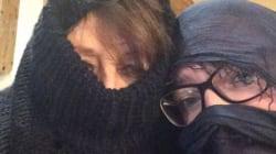 Col burqa a Cortina per protestare contro il maschilismo della