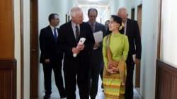 Dion: Aung San Suu Kyi 'De Facto' Leader Of