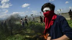 Des migrants blessés à la frontière grecque après l'usage de gaz