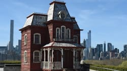 La maison du film «Psychose» sur le toit du Met de New