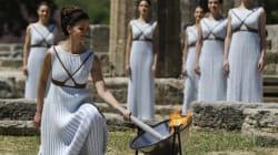 La flamme des Jeux de Rio allumée sur le site d'Olympie