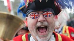 Les Britanniques célèbrent les 90 ans de la reine Elizabeth II en grand!