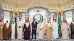 Obama prova a ricucire con i leader del Golfo. Sorrisi per i fotografi, ma la freddezza