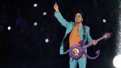 Voyez Prince interpréter pour la dernière fois «Purple