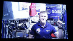 Astronaut Tim Peake Completes London Marathon In