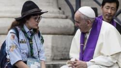 Se il Papa che non conosce protocolli, scende in piazza a confessare i