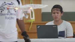 「動け」と念じるだけで飛行機が飛ぶ時代に。世界初の脳波コントロール・ドローン・レースがフロリダ大で開催