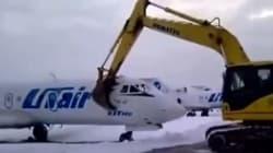 Questo tecnico dell'aeroporto non ha preso bene la notizia del