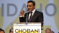Cet immigré turc devenu milliardaire donne 10% de son groupe à ses