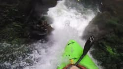 Ce kayakiste est-il fou?