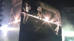 Beyoncé si fa rubare la scena da due fan. E ballano meglio di