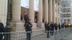 La police évacue le théâtre de l'Odéon de Paris, occupé par des