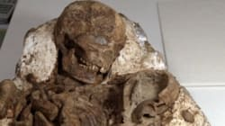 4,800-Year-Old Fossil Of Mother Cradling Child