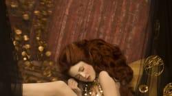 Inge Prader trasforma la pittura in fotografia e interpreta Klimt con la stessa