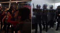 'Não tem arrego!': Estudantes cantam enquanto PMs deixam ocupação em