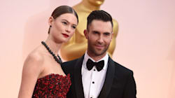 Adam Levine Takes Hilarious Pregnancy Selfie With