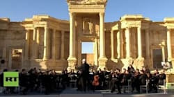 Pray for Palmyra. L'orchestra sinfonica del teatro Mariinsky in concerto a
