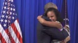 Il travolgente abbraccio tra Obama e la piccola attivista per l'acqua