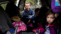 Des réfugiés syriens collectent des vivres pour les Canadiens de Fort