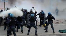 Scontri polizia manifestanti al Brennero: tre fermati un poliziotto