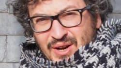 Faceva esercizi di matematica in aereo: professore italiano scambiato per