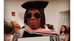 'Orgulho' define: Milton Nascimento recebe título de doutor em universidade dos