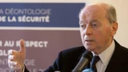 Le Défenseur des droits dénonce le traitement des étrangers en