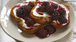 RECIPE: Blackberry Ricotta Toast With Poached Egg And Toasted