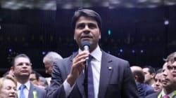 Acusado de violência doméstica, candidato à prefeitura do Rio quer uma vice