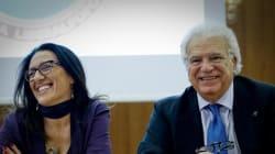 Verdini abbraccia la candidata renziana a Napoli: