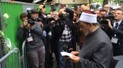 Le grand imam d'Al-Azhar s'est recueilli devant le