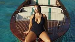 La collection de maillots d'Ashley Graham fait monter le mercure