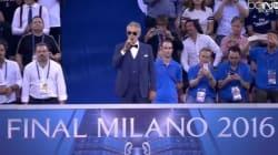 Andrea Bocelli chante l'hymne de la LDC (et impressionne les