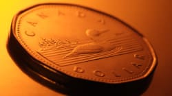 Loonie Value Jumps Because The U.S. Sucks At Job