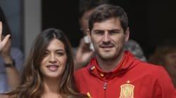 Lucas, hijo de Iker Casillas y Sara Carbonero, sale del hospital: primera foto pública con sus