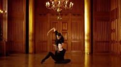 Ce duo de danseurs est parfaitement